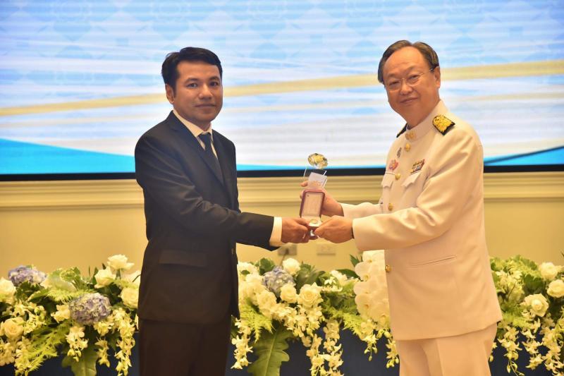 อาจารย์ ดร.ถาวร  จันทโชติ ได้รับรางวัล เพชรพาณิชย์ ประจำปี 2561 สาขาผู้ทรงคุณวุฒิ